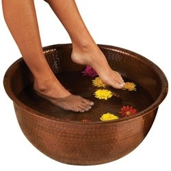 20 In Hand Hammered Copper Pedicure Foot Spa With 1 1 2 In